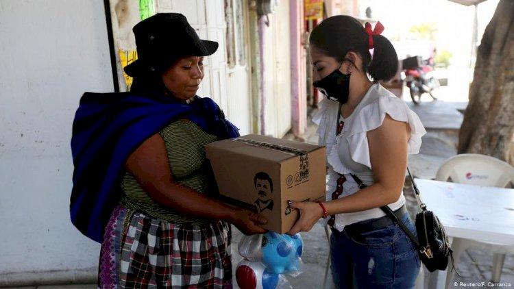 """Meksika'da mafyanın """"hayırseverlik"""" yarışı"""