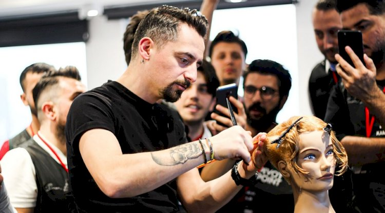 Türk Saç Kesim Eğitmeni Dünyanın En Önemli 20 Kuaförü Arasına Girdi