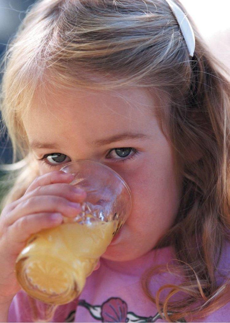 Mevsim değişikliklerinde hastalıklardan korunmak için portakal suyu tüketin