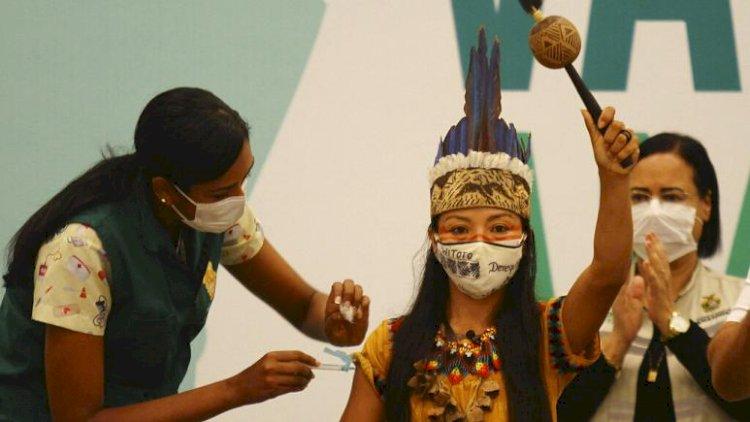 Amazon yerlileri, 'aşı karşıtı misyonerlerin telkiniyle' sağlık görevlilerine okla saldırıyor