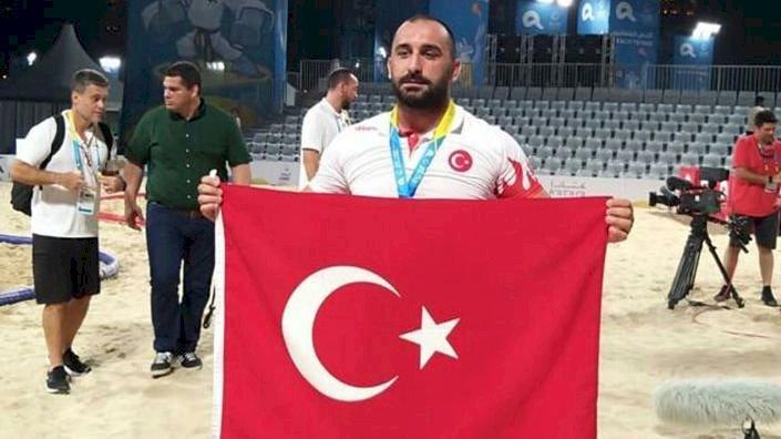 Milli güreşçi Ufuk Yılmaz dünya şampiyonu oldu