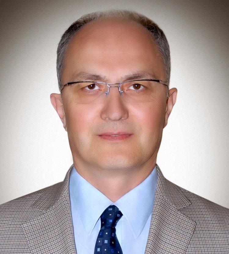 """Prof. Serhat Ünal; """"YENİ EĞİTİM DÖNEMİNDE PANDEMİYLE MÜCADELE İÇİN AŞI ŞART"""""""