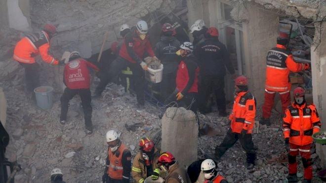 Elazığ depremi: Hayatını kaybedenlerin sayısı 36'ya yükseldi